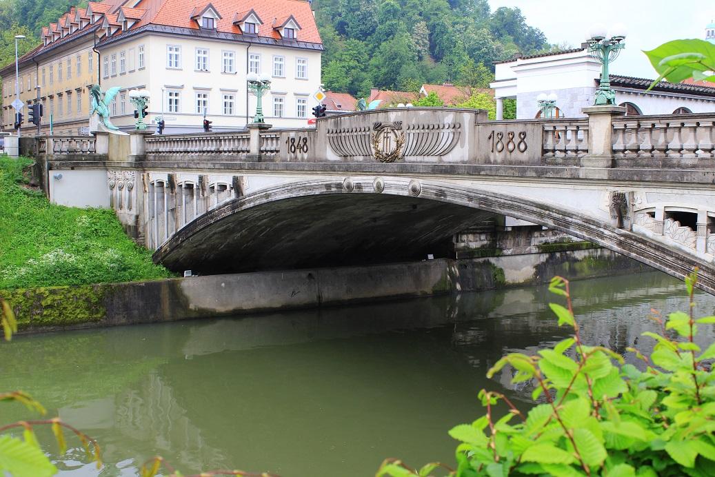 Drachenbrücke. (Zmajski most)