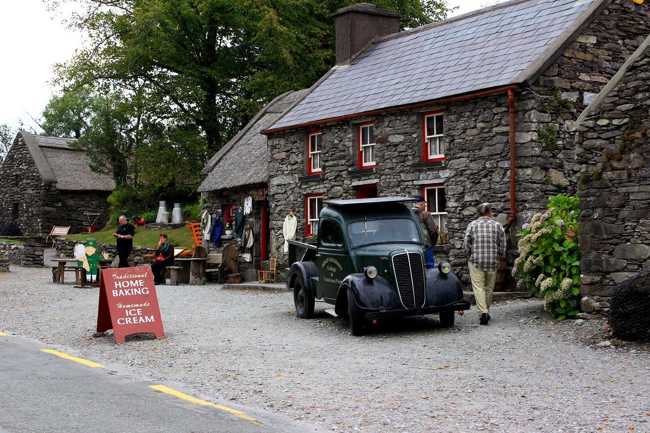 Molly Gallivans Cottage & Farm